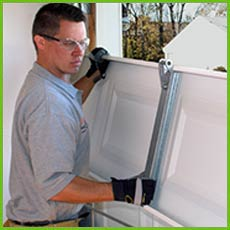 Garage Door Shop Repairs Burien, WA 206-800-3016